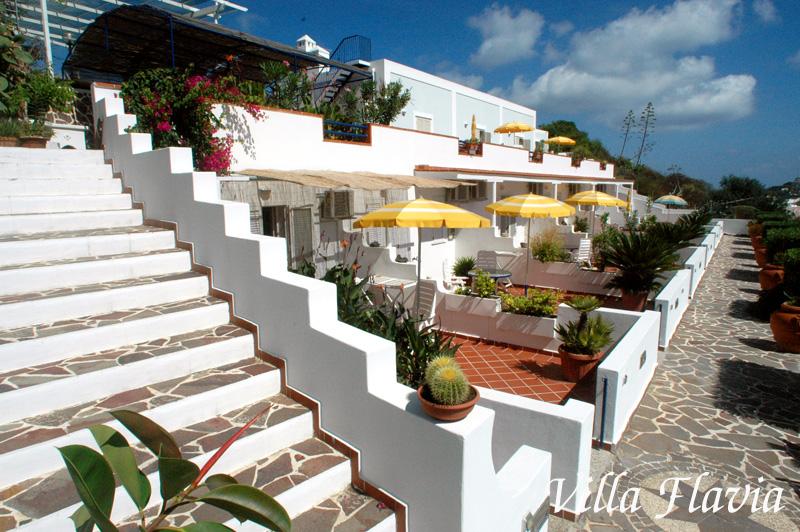 Appartamenti ponza villa flavia appartamenti con for Appartamenti ponza